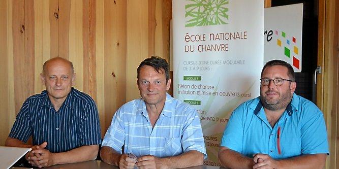 De gauche à droite : Rémy Chorda, Jean-Marc Naumovic, Jean-Michel Marquès.